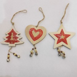 WOODEN HANGER 3 PCS POLYBAG ASSORTED 11 CM. RED